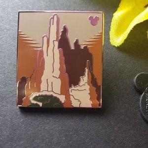 $6 🍁 Disney pin